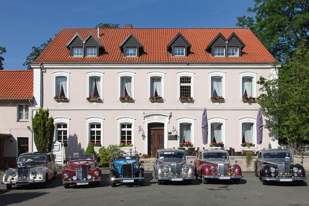 Hotel mit Armstrong Siddeley-Flotte