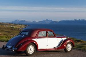 Riley RMA auf der Applecross-Halbinsel, Blick auf die Isle of Skye