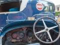 Bugatti mit passendem Transporter