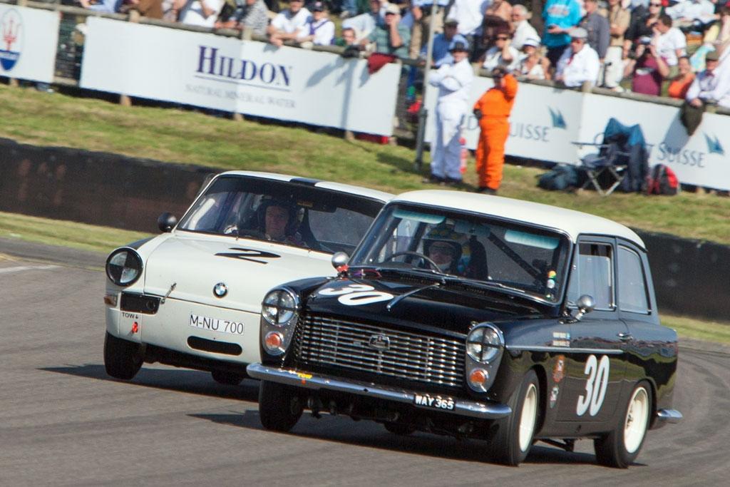 Dichte Begegnung: Austin A40 und BMW 700